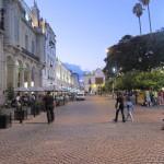 Empedrados rodeando la plaza